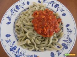 Taglierini verdi con ragu di carne