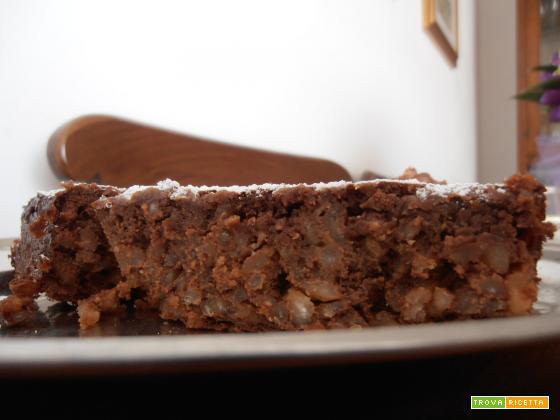 Torta ciocco-riso con ricotta e amaretti.