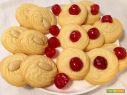 Biscottini golosi di frolla montata