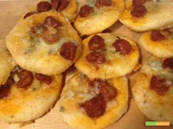 Pizzette salsiccia piccante e gorgonzola