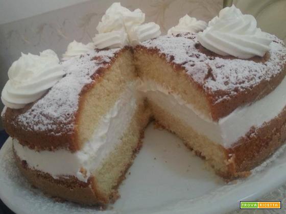 Torta con crema al latte condensato