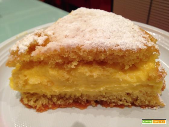 Torta alla vaniglia con crema