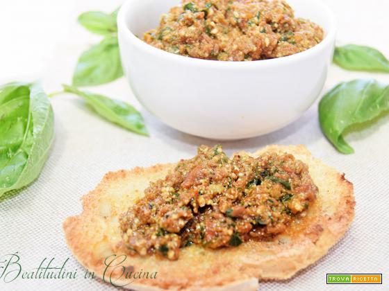 Pesto di pomodorini secchi e mandorle