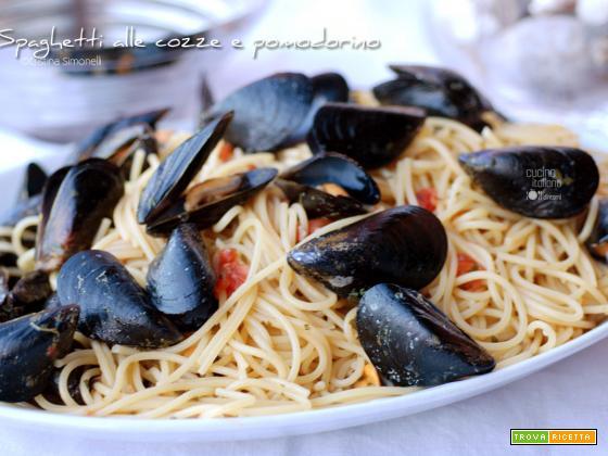 Spaghetti al sugo di cozze e pomodorino fresco