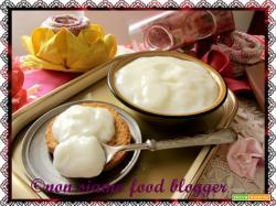 Crema pasticcera senza uova o crema al latte senza panna?