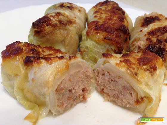 Capunet (involtini di verza ripieni di carne e pancetta)