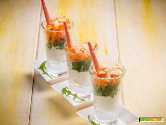 Bicchierini ricotta, pesto e carote: un antipasto allegro e leggero