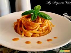 Linguine con pesto di pomodori secchi e mandorle