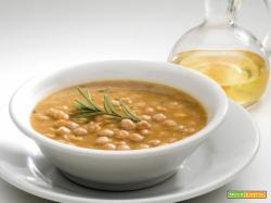Zuppa di ceci e parliamo un po' dei preziosi legumi