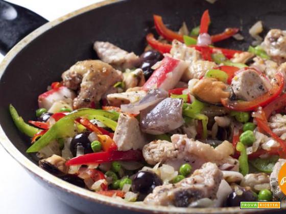 Straccetti di pollo con olive e peperoni