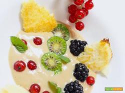 Crema pasticcera con farina di castagne, cialda di cocco e frutti rossi