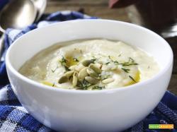 Zuppa di levistico e pinoli di cedro