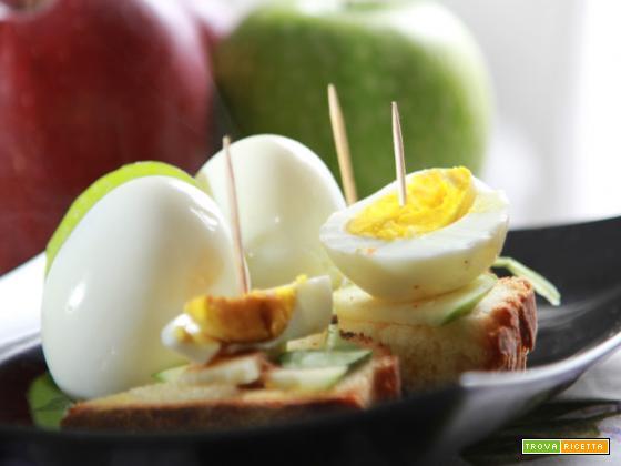 Antipastino con mela, valeriana e uova per il pranzo di Pasqua