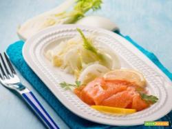 Carpaccio di salmone e finocchi: quando s'incontrano salute e gusto.