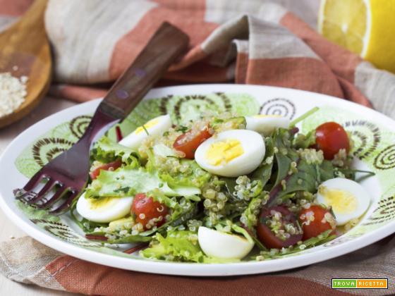 Insalata di quinoa e pomodorini, un pieno di salute