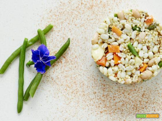 insalata di orzo e quinoa