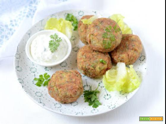 Polpette di zucchini alla greca (Kolokithokeftedes)