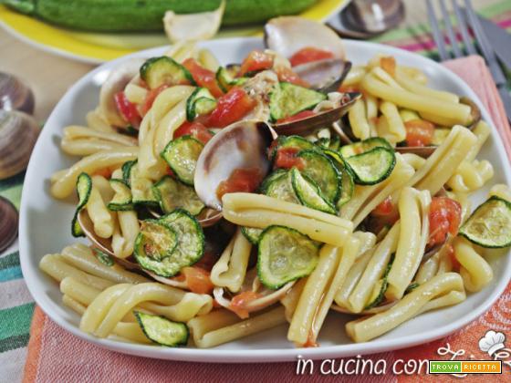 Caserecce vongole e zucchine