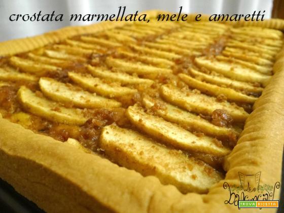 Crostata marmellata, mele e amaretti