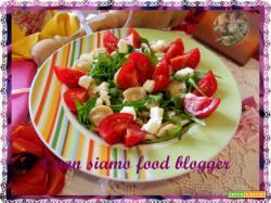 Pasta crudaiola con rucola, pomodorini e provola affumicata