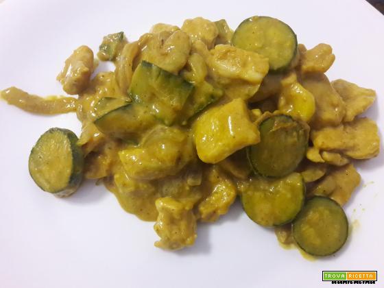 Tacchino al curry con zucchine – piatto light
