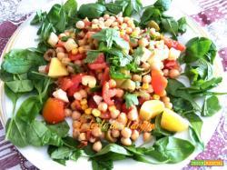 Insalata di ceci per vegetariani e vegani
