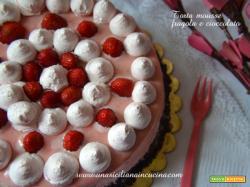 Torta mousse fragola e cioccolato