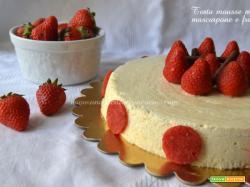 Torta mousse miele, mascarpone,fragole