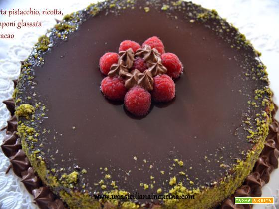 Torta pistacchio,ricotta,lamponi glassata al cacao