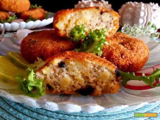 Polpette di merluzzo e patate con olive nere