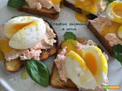 Crostini salmone e uova …quanti colori a tavola!