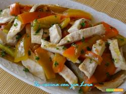 Tagliata di petto di pollo con peperoni corno