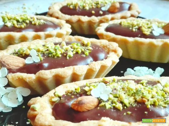 Tartellette al cioccolato e pistacchi