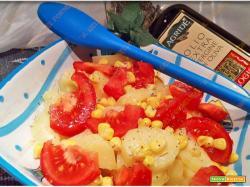 Insalata di patate pomodoro e mais