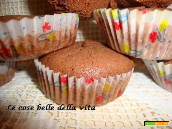 Muffin al cacao dal cuore bianco