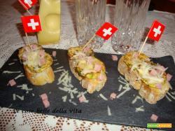 Bruschettine con zucchine prosciutto ed Emmentaler