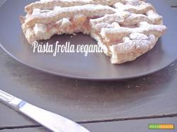 La Pasta frolla vegana di Marco Bianchi e la tabella delle sostituzioni in cucina