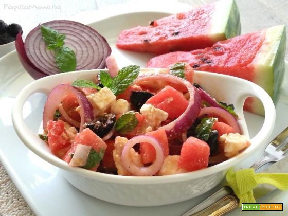 Feta salad con anguria olive nere e menta