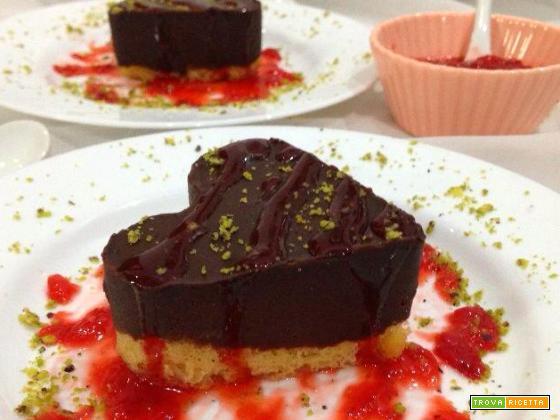 Cuori al cioccolato con composta di fragole