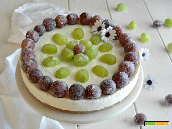 Torta fredda con prosecco e uva