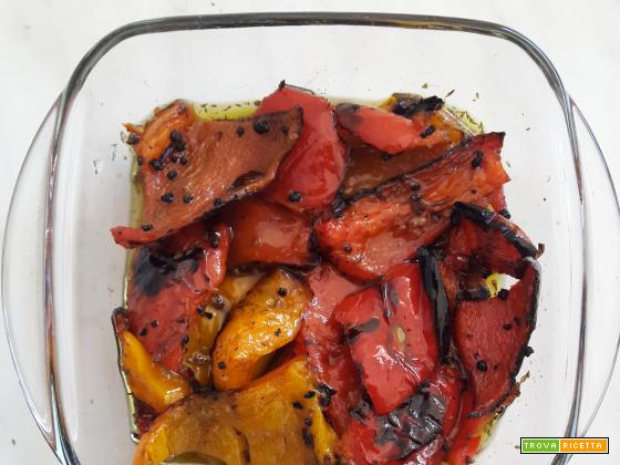 Peperoni grigliati e marinati