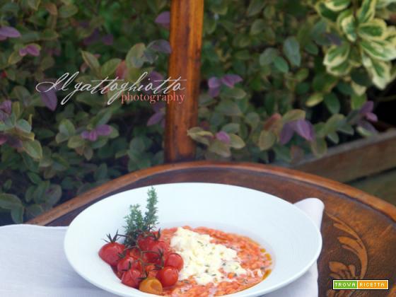 Risotto alla crema di pomodorini ciliegini, mozzarella di bufala e timo