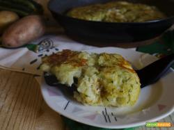 Schiacciata di patate e zucchine in padella senza uova