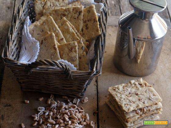 Essenza: Crackers integrali con farro soffiato