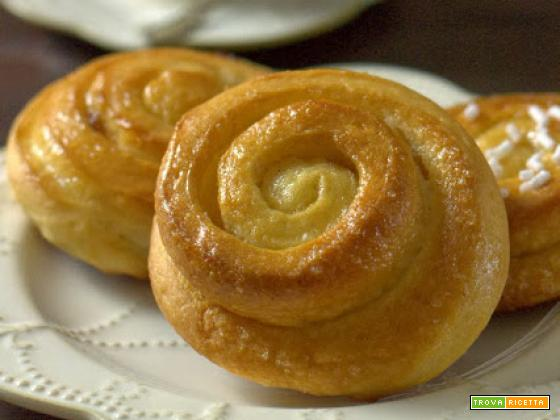 Swedish cinnamon rolls per il Re-cake 3