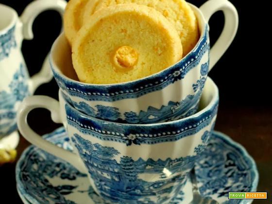 Biscotti alle mandorle e arancia