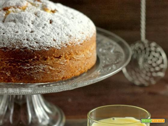 Torta sabbiosa con salsa alla vaniglia