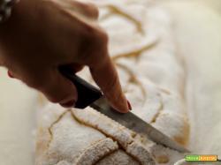 Strudel di mele caramellate con farina di farro