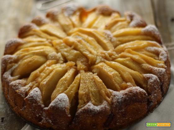 Torta di mele morbida e semplice
