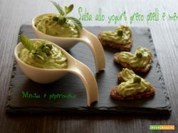 Salsa allo yogurt greco piselli e menta